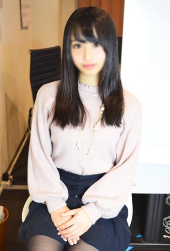 りな(19)